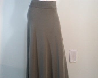 Light grey semi-flared maxi skirt in bamboo/cotton/spandex knit with soft waistband.