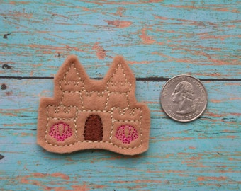 Sandcastle feltie with light brown felt - Great for Hair Bows, Reels, Clips and Crafts - Sand and beach water theme with shell windows