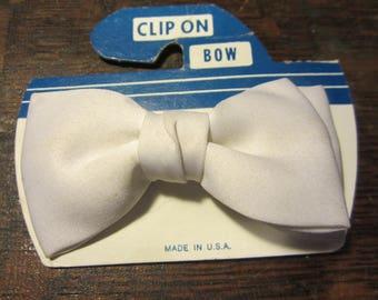"""Vintage 50s White Satin 4"""" Clip On Bow Tie"""