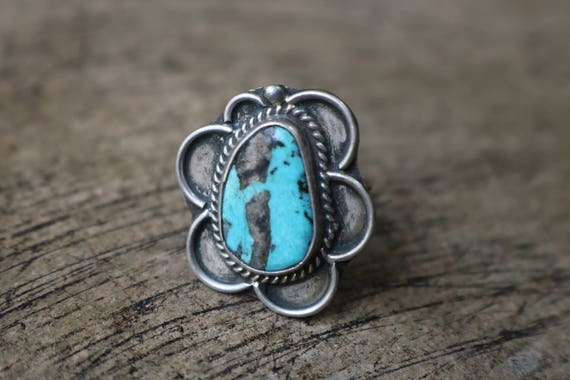 Turquoise Blossom RING / Vintage Southwest Jewelry / Sterling Silver Size 6 3/4 Ring