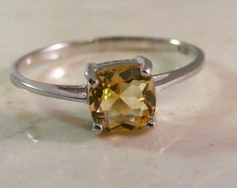 Vintage Square Cushion Citrine Solitaire Sterling Silver Ring.....  Lot 5101