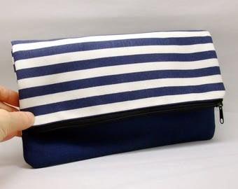 Foldover zipper clutch, zipper pouch, wedding purse, evening clutch, bridesmaid gifts set - Blue and white strips  (Ref. FZ26)