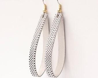 Leather Earrings / Thin Slit / Basic