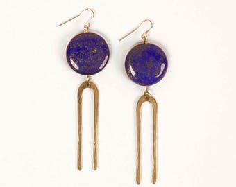 Forged bronze large fork earrings with lapis coin gemstone | FRIDA