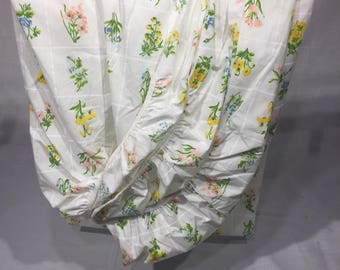 Vintage, sheet, twin, fitted, floral, flower garden, blue, pink, yellow flowers,floral, bedding, linens, fabric, fitted sheet, vintage sheet
