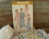 Retro UNCUT Nightgown Pattern by Simplicity - Retro Pegnoir + Nightgown Paper Pattern, DIY Sewing How To, Sexy Jammies, Cuddle by the Fire