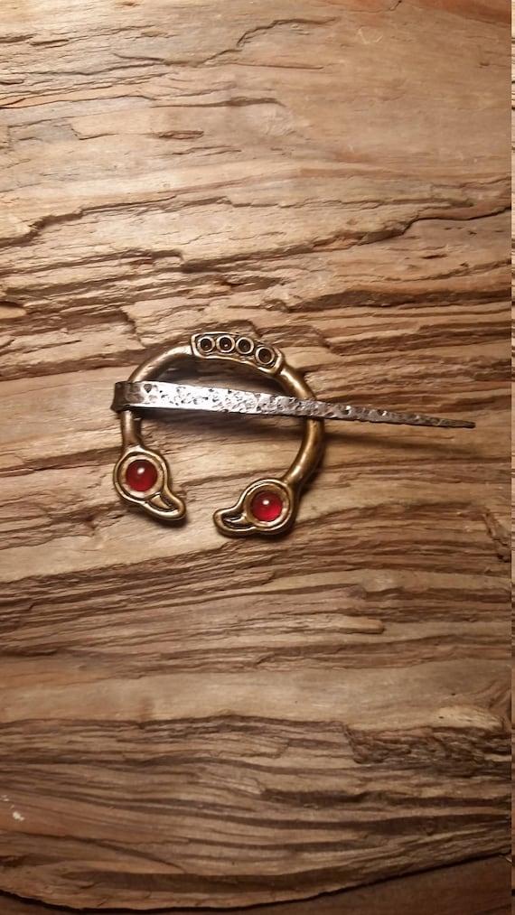 Brooch pin