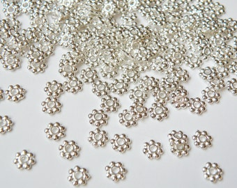 50 Silver Daisy Spacer Beads beaded rondelle 5.5mm PK08Y7021