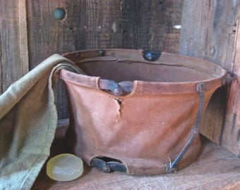 Take father camping ! Collapsible wash basin for his safari camp