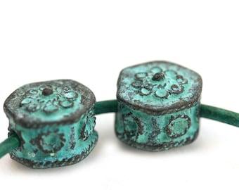 2pc Metal Hexagon beads, 2mm hole, Verdigris patina on copper, 15mm metal geometrical greek beads - F524