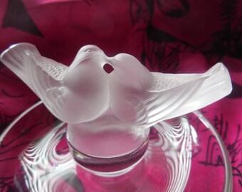 Lalique France Signed Crystal Frosted Love Birds Kissing Ring Holder Trinket Dish