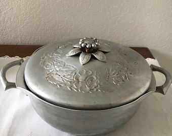 Everlast Forged Aluminum Serving Dish with Lid