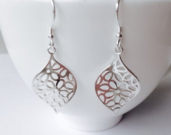 Flower dangle drop earrings - Sterling silver 925