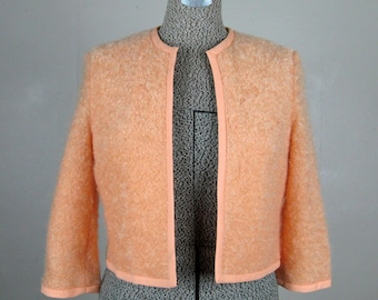 Vintage 1960s Cropped Sweater Jacket 60s Peach Wool Boucle Open Front Jacket Size M