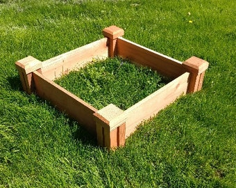 Garden Planter in Rustic Redwood