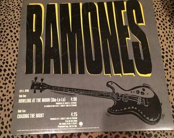 Vintage Vinyl  Record, Ramones: Howlin' at The Moon, Rare Punk 12 inch, Joey, Dee Dee, Johnny Ramone