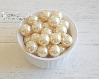 Acrylic Imitation  Pearl 20mm beads - solid buttercream - chunky necklace beads