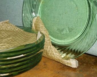 Pyrex green salad plates eight 8