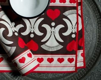 Vintage Cotton Heart Design Tablecloth / Table Runner with Placemats and Bowl