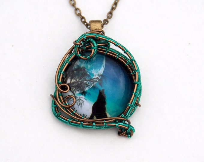 Wolf pendant Wire wrapped necklace Gift for her him Mens Womens Post apocalyptic Alternative Handmade jewelry Boho green Cool Unique gifts