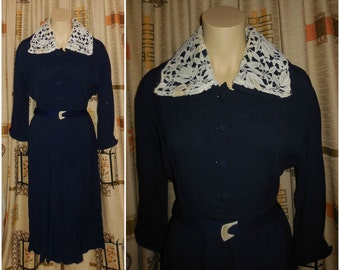 Vintage Dress 1930s 40s Dress Rayon Fabric Crocheted Lace Large Collar Flapper Deco German WWII Dark Navy Blue M waist to 30 in