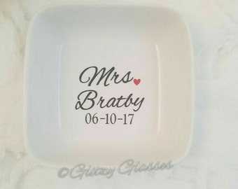 Personalized Ring Dish,  Engagement Ring Dish, Bridal Shower Gift, Ring Holder, Engagement Gift, Engagement Ring Holder, Jewelry dish