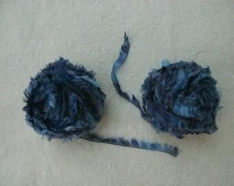 Bernat Boa eyelash yarn Bluebird - lot of 2 balls