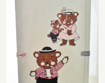 """ON SALE Vintage Pink & White Metal Doll Trunk, Large, Teddy Bear Decal, Doll Wardrobe, Doll Case, Doll Storage, Fits Up To 16 1/2"""" Doll"""