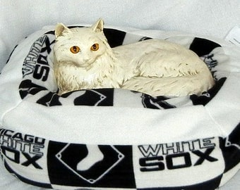 Small Machine Washable Pet Bed - Chicago White Sox
