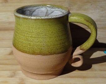 Large 18 oz. Spiral Handle Stoneware Mug: Honey Amber