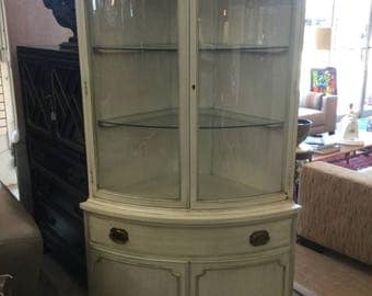 Hepplewhite painted corner cabinet