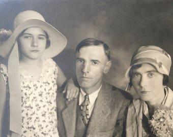 Flapper Era Family Vintage Photo 1920s Fashion