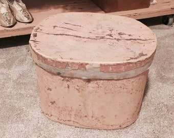 RARE! Antique pink french chippy hat box hatbox shabby nordic chic wallpaper box primitive