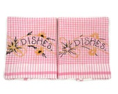 Vintage Embroidered Tea Towels - Pink Gingham Tea Towels - Shabby Kitchen Decor - Pink Glamper - Glamping Cabin - Free Shipping - 2HTT17