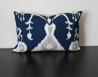 Decorative Throw Pillow, Blue and Ivory Ikat Pillow Cover, Accent Pillow, Toss Pillow Cover, Lumbar Pillow, Sofa Pillow, 12x18,18x18,20x20