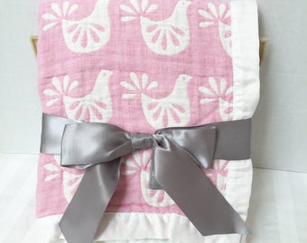 Gauze Swaddle Blanket, Personalized Muslin Blanket, Birth Announcement Blanket, Muslin Swaddle, Keepsake Blanket, Pink Bird Gauze Blanket