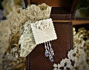 Brooch Elegant White on White Pin