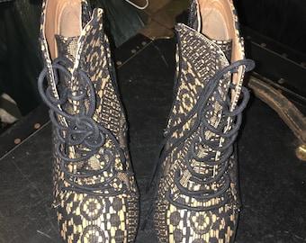 Qupid Puffins Heels Women's Size 9