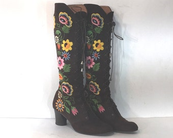 Jerry Edouard-style boots - size 5.5 -  brown suede lace up boots - 1970s embroidered boots - 1970s boots - 1970s lace-up boots - boho boots