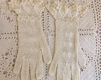Antique Crocheted Ladies-young ladies Gloves