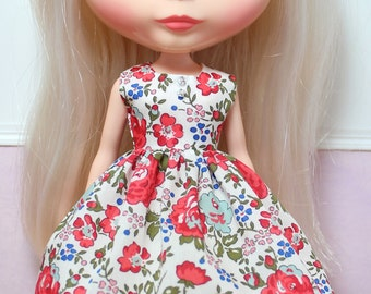 BLYTHE doll Its my party dress - LIBERTY Felicite red roses