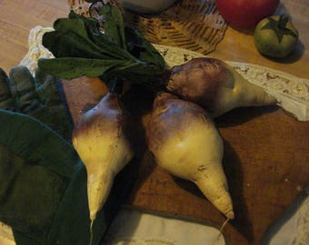 Primitive Set of Three Turnips