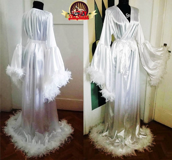 Satin bride robe/ Burlesque feathers dressing Gown/ White