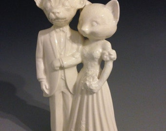 Chihuahua Groom Marries Cat Bride Wedding Cake Topper   Opposites Attract
