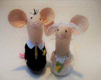 Wedding Cake Toppers, Wedding Accessory, Church Mice, Felt Mice
