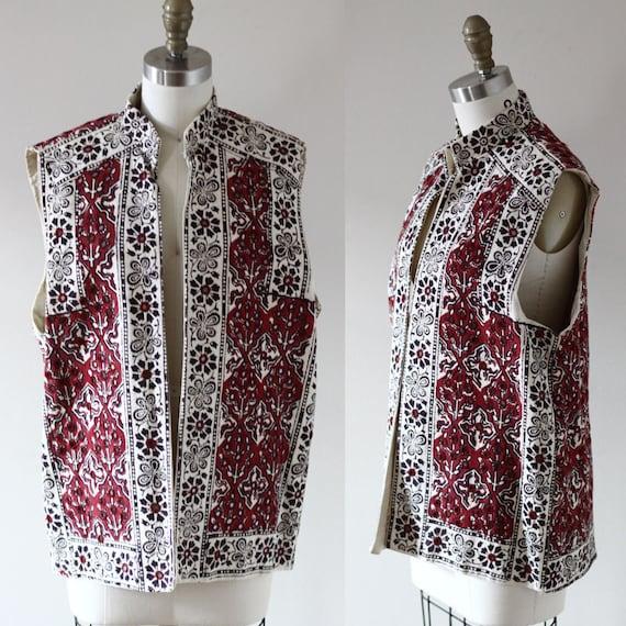 1970s red canvas vest // embroidered vest // Vintage Tops