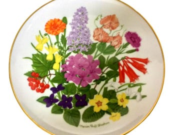 Vintage Decorative On The Wall Hanging Plate, Floral Porcelain Display Plate, Horticulture Plate