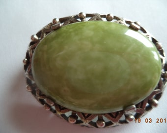 Vintage Signed Miracle Silvertone Green Agate Oval  Brooch/Pin