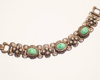 Lovely Green Peking Glass and Faux Pearls Bookchain Link Bracelet
