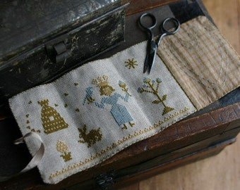 Primitive Cross Stitch - Queen of Spring Sewing Roll